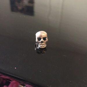 Chamilia skull charm